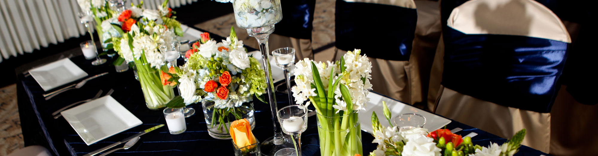 White floral table arrangements